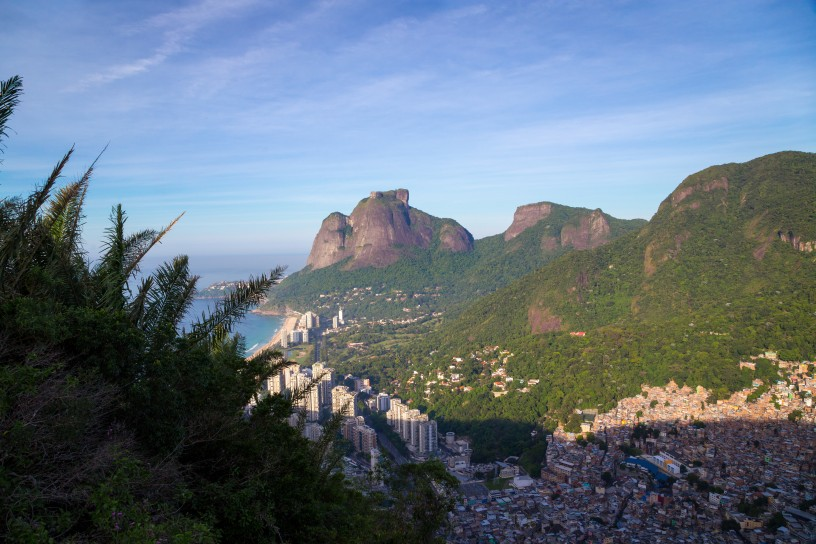 Looking towards São Conrado and the Pedra da Gávea mountain